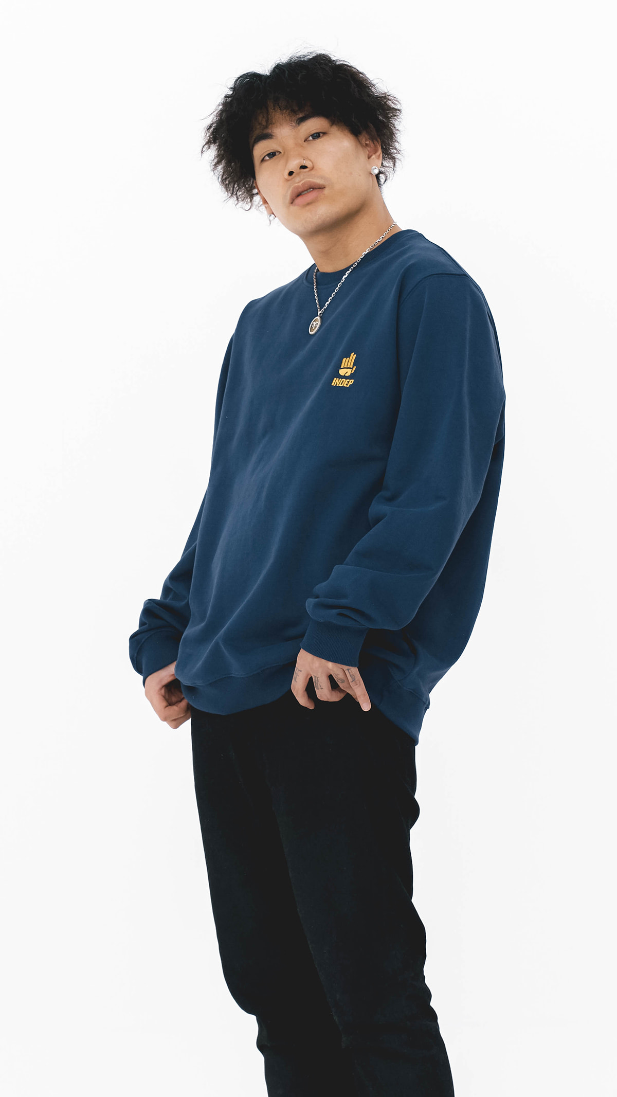 Indep Symbol Crew Neck Sweatshirt_BL