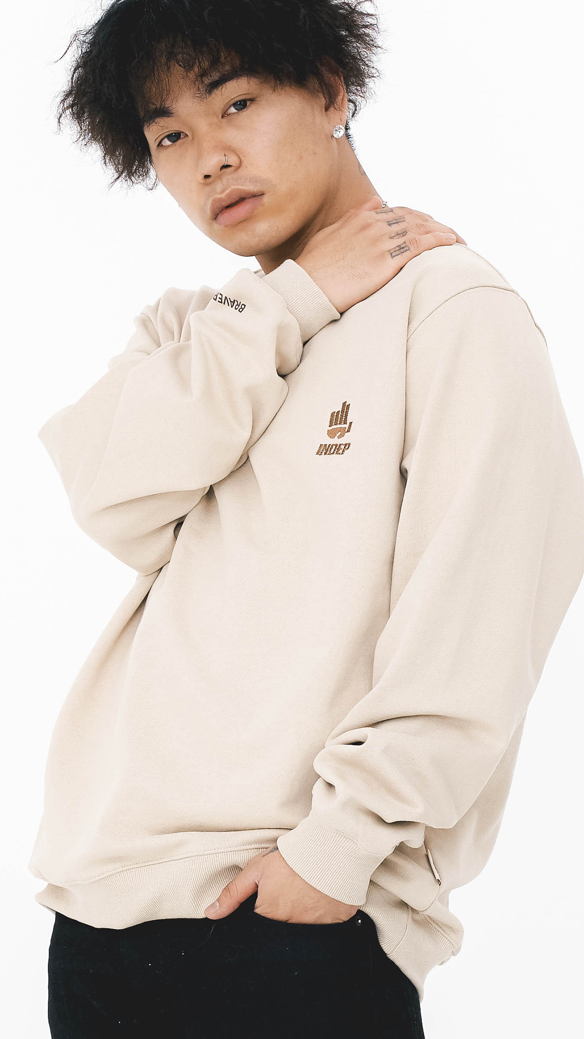 Indep Symbol Crew Neck Sweatshirt_BG